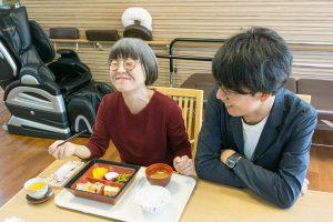 京阪老人ホーム紹介センター・ウェルカムホームの同行取材。枚方つーしんのカトゥさん、フロさん